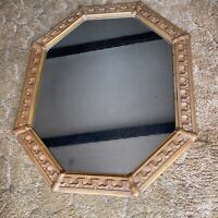 VINTAGE GOTHIC STYLE CARVED PARCEL GILTWOOD OCTAGONAL MIRROR, EARLY 20TH CENTURY