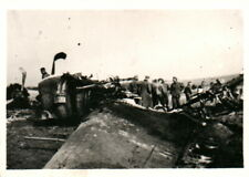 Foto, 2./A.R. 33, Blick auf ein Flugzeugwrack (N)20450