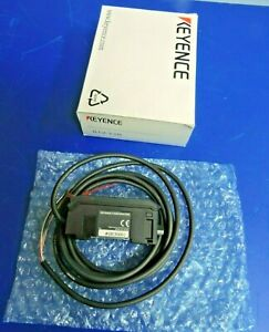 NEW KEYENCE GT2-72N High-Accuracy Digital Contact Sensor Amplifier & Cable / BOX