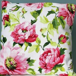 Decorative pillow cover with springy floral print   Accent cotton pillow cover