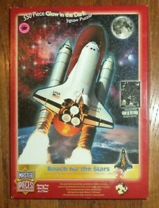 Master Pieces 550+ piece jigsaw puzzle  Columbia Space shuttle glow in dark