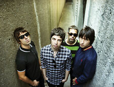 Noel and Liam Gallagher, Paul Arthurs & Paul McGuigan photo - D1263 - Oasis