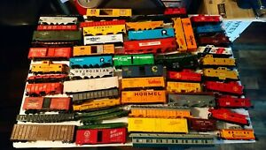 Tyco AHM etc HO Train Lot of 56 Rolling Stock Freight Car Bodies with Frames