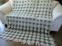 Vintage Crochet Ecru Green Queen Anne Floral King Queen Full Bedspread 94x78