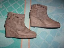 Forever wedge ZIPPER BOOTS WOMENS SIZE 7
