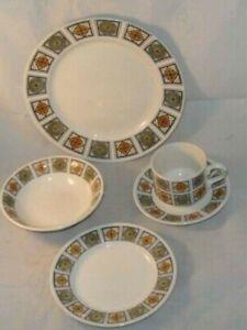 Kathie Winkle 1960s Potteries 'Michelle' design Plate, Bowl & Trio 5 piece set