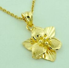 18k Solid Yellow Gold Flower Pendant  Charm 2.10 grams
