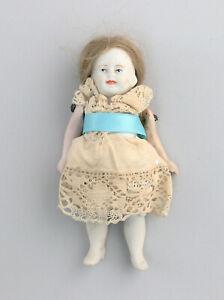 8610010  Ganz- Biskuit Porzellan Puppenstubenpuppe Puppe