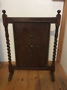 ART DECO Vintage FIRE SCREEN Oak with vintage Carved DETAIL ARTS AND CRAFTS