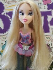 BRATZ  DOLL FASHION PIXIEZ CLOE with her ORIGINAL PANTS, SHIRT, TUTU