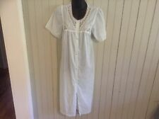 Vintage White Vanity Fair small Robe