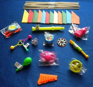 12 MUSICAL & RETRO TOYS/GIFTS/FILLERS + HATS,SNAPS & JOKES TO MAKE XMAS CRACKERS