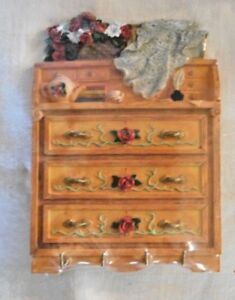 CUTE WALL MOUNTED KEY HOLDER CABINET NEW IN ORIG. CELLOPHANE