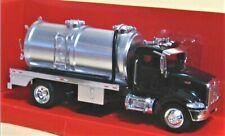 Peterbilt Model 335 Tanker - 1:43 scale by NewRay