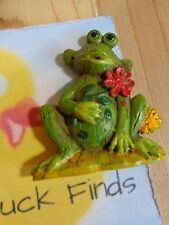"Fridge Magnet GREEN FROG WITH FLOWERS 2"" Resin"