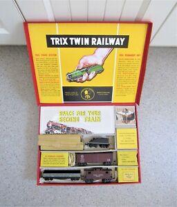 VINTAGE FREIGHT TRAIN 'TRIX TWIN RAILWAY' SET