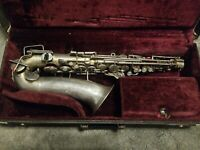 Vintage Bundy Elkhart Woodwind Saxophone Musical Instrument WITH CASE
