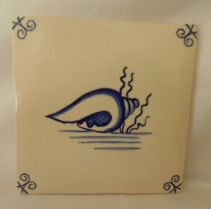"""Hand Made Dutch Delft Blue and White Shell & Seaweed Tile 5"""" sq. Pilgrim style"""