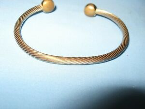 Q RAY Wellness Magnetic Therapy Bracelet - Gold Tone - Twisted Wire Look