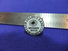 vtg pin badge lilliput lane collectors club 2003 04 member pottery ceramics