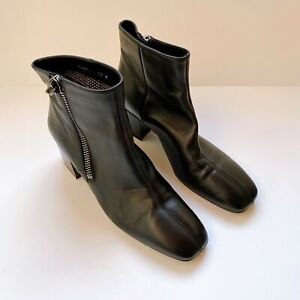 Aquatalia Cathryn Black Leather Block Heel Boots US10M ($575)