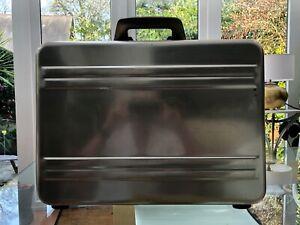 Vintage classic ZERO HALLIBURTON Polished Aluminium Attache Case, Gold Tone