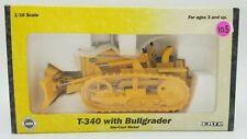 CASE T-340 with Bullgrader 1/16 Ertl 1998 IH #4380