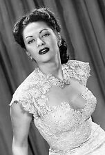 Yvonne De Carlo Unsigned 8x12 Photo (5)