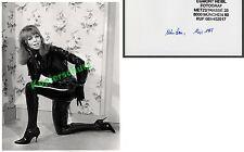 or. Foto blonde Frau Erotik Latexanzug Stiefel Fetisch Rubber Atomage Kunst 1965