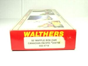 WALTHERS HO SCALE 50' WAFFLE BOX CAR KIT CANADIAN PACIFIC 932-4718