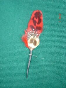 kleine Hutfeder Hutschmuck  mit rot Feder ca 5cm für Herrenhut  Art 24-29