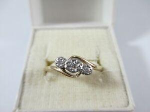 LOVELY VINTAGE c1960's 18ct GOLD DIAMOND TRILOGY RING UK SIZE O1/2  1.8g