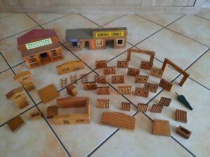 DDR Spielzeug Cowboy Fort Holz Konvolut,