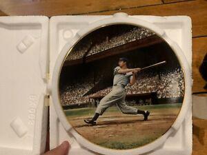"Bradford Exchange Great Moments In Baseball ~ JOE DiMAGGIO ""The Streak"" Plate"
