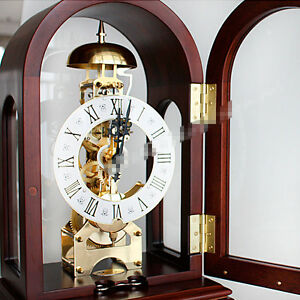 Mechanical clock Creative Antique table clock European retro wood clock