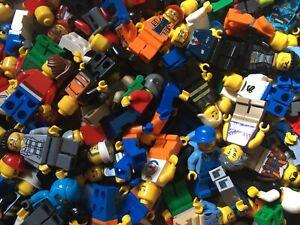LEGO MINIFIGURE bundle 4 random figures /  figs  / people plus 4 accessories