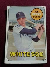 1969 VINTAGE TOPPS BASEBALL CARD KEN BERRY # 494 CHICAGO WHITE SOX SET BREAK