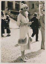 MODE c. 1930 - Jeune Femme Élégante Champs de Course Longchamp - PRM 647
