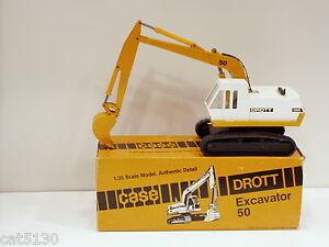 Drott 50 Excavator - 1/35 - Conrad #2960 - N.MIB