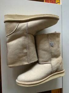 Celt 'house boots' in suede & sheepskin size 5