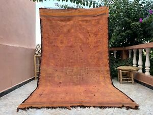 """Antique Old Moroccan handmade Mzouda Carpet 5'6""""x 9'9""""  Berber Faded Red rug"""