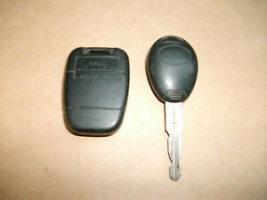 LAND ROVER DISCOVERY DEFENDER MG FREELANDER 2 BUTTON REMOTE KEY  FOB 17TN