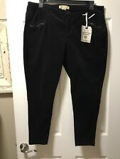 NEW Democracy Plus Size 16W Double Zippered Black Lightweight Velvet Ankle Jeans