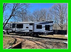 2020 Keystone Fuzion 429 Toy Hauler RV 44' Sleeps 8 Queen Bed Sofabed Fireplace