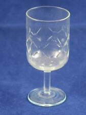 VERY HIGH QUALITY CRYSTAL LIQUEUR GLASS Interlinked Circle Pattern