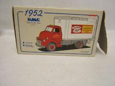 First Gear 1952 GMC Dry Goods Van True Value V & S 1/34 MIB 10-1196