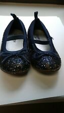 Pre-owned  blue flats by OshKosh Size 7T
