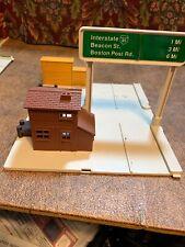 VTG Hot Wheels City Town 1981 Mattel Car Dock Piece Drive Thru