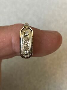 Vintage 14k Solid Yellow Gold & Genuine Diamond Ring Size 6 2.6 Grams Gold