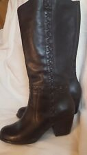 Gorgeous Clarks ladies Boots, size 7 in Black Leather